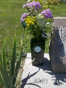 Stargate vase wildflowers
