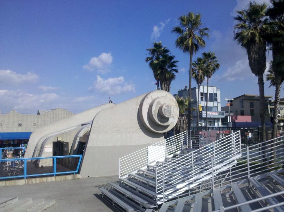 travel Los Angeles Venice Beach California writer blogger