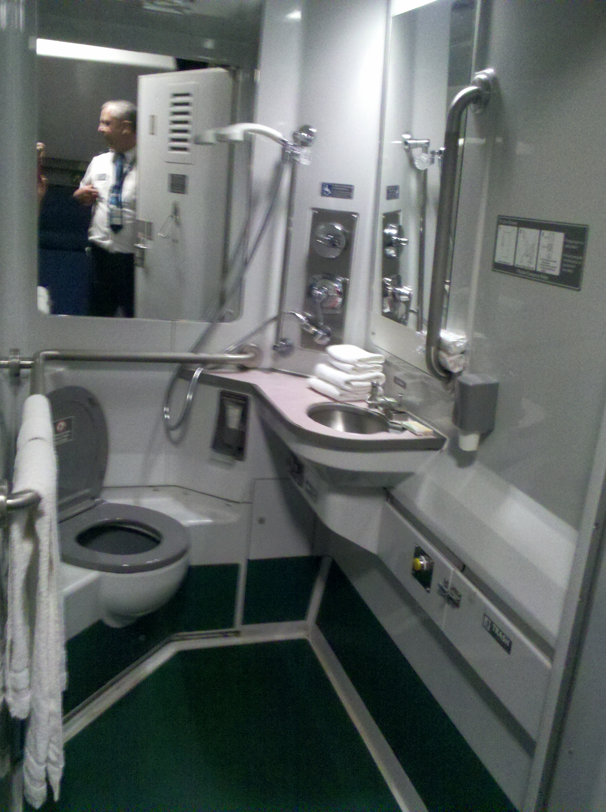 Amtrak Can You Use Showers In Sleeper Cars